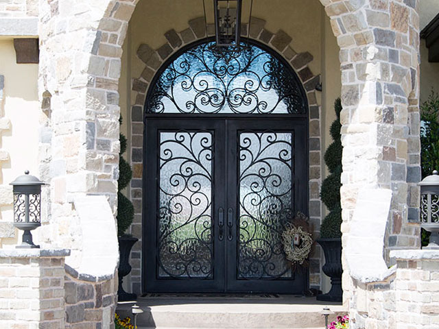 E.-Puerta-de-portal-hierro