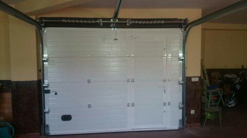 Interior puerta garaje seccional