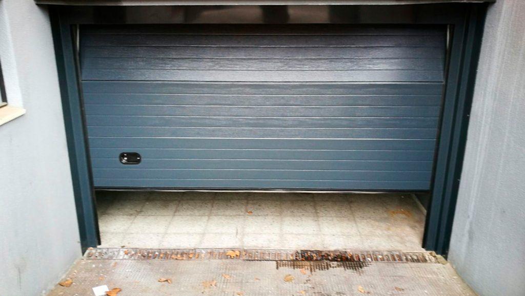 Puerta de garaje seccional acabado