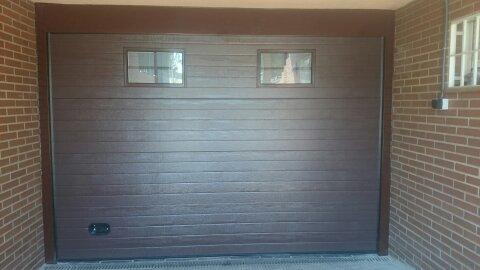 Puerta de garaje seccional