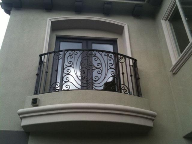 d.-Balcón-hierro
